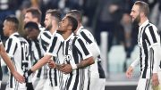 Juventus' Douglas Costa (C) jubilates with his teammates after scoring the goal during the Italian Serie A soccer match Juventus FC vs Genoa CFC at Allianz Stadium in Turin, Italy, 22 January 2018. ANSA/ALESSANDRO DI MARCO